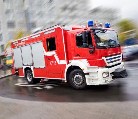 Symbolbild Feuerwehr | shutterstock_1320121277
