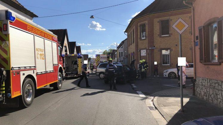 Feuerwehr in Worms mit Polizei