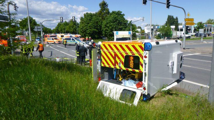 Unfall mit Rettungswagen vom ASB Rüsselsheim