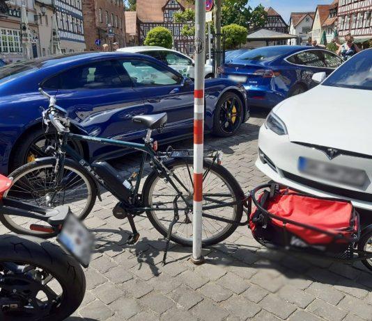 Tesla Elektroauto beim E-Tag